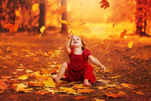 autumn_emotion_baby_fall_season_kid_leaves_hd-wallpaper-1850791