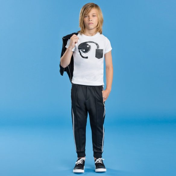 dsquared2-boys-black-white-stripe-tracksuit-trousers-118514-db8087d51b64d782c033a1552165444a8d80b4db-outfit-584x584